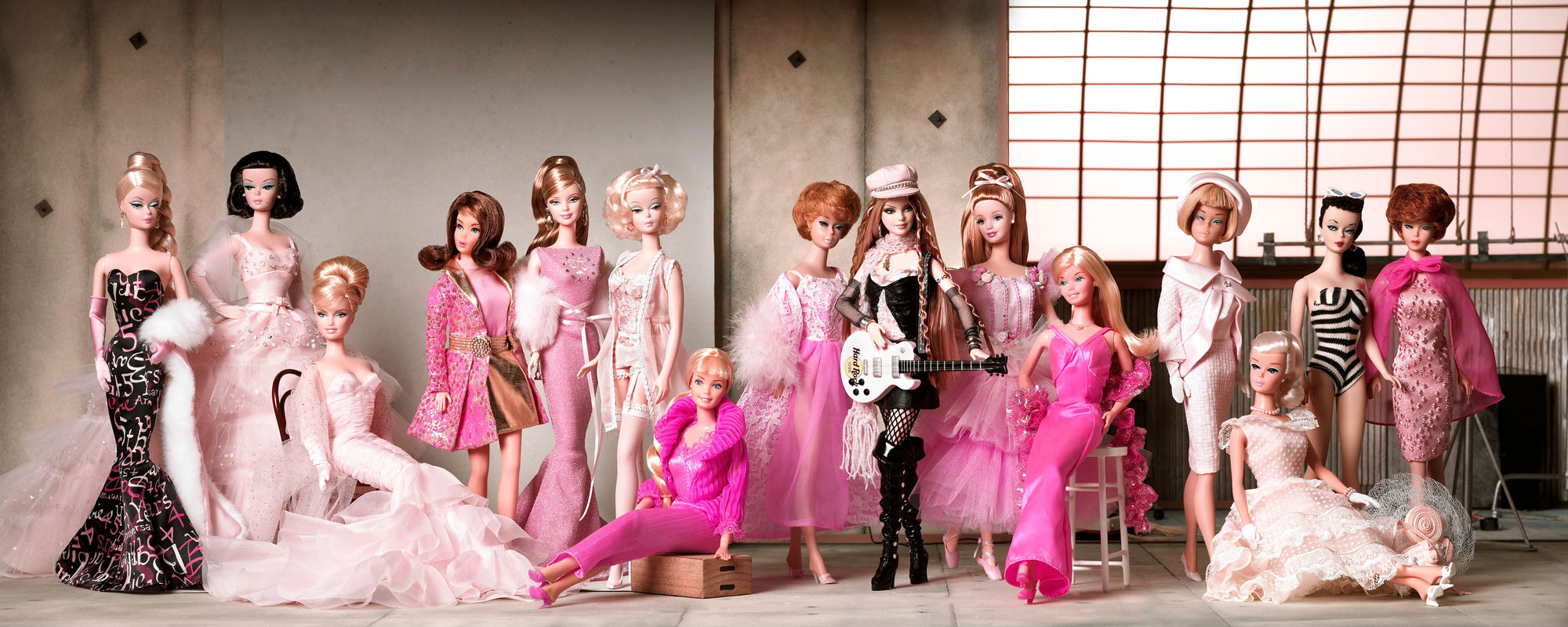 Barbie's-evolution-style-(Collectors-edition)
